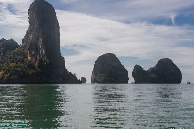 zapad-railay-beach-01