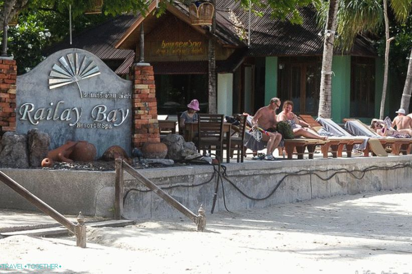zapad-railay-beach-08